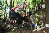 V lesích nad blanenskou přehradou Palava bojovali nejlepší biketrialisté světa.
