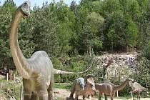 Do boskovického westernového městečka se nastěhovali dinosauři. Několik modelů pravěkých kolosů stojí již nyní v tamním velkém amfiteátru. Vedení western parku chce v městečku v budoucnu totiž udělat nové lákadlo pro turisty.