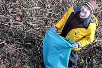 Ráječtí vodáci zorganizovali již potřetí čištění břehů řeky Svitavy mezi Blanskem a Adamovem.