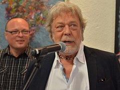 Herec Jan Kanyza vystavuje svoje díla v letovické Galerii PEX.
