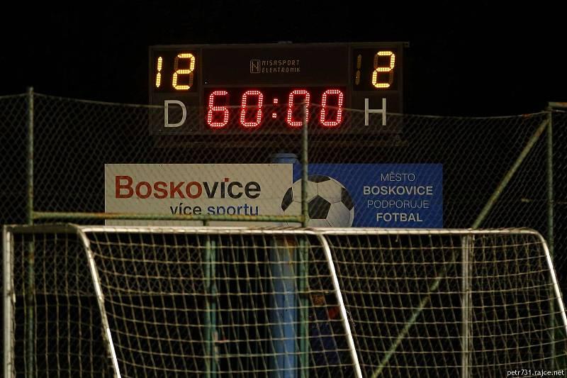 Blanensko (ve fialovém) na domácím hřišti rozstřílelo Baník Ostrava 12:2.