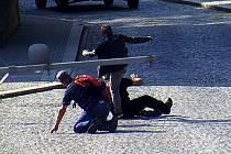Opilý cizinec zbil v Boskovicích dva muže.