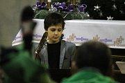 Prostory adamovského kostela svaté Barbory rozezněly ve středu vánoční skladby. Nástrojů se chopili žáci Základní umělecké školy Adamov.