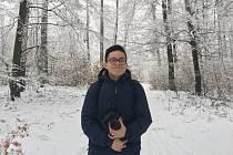 Jeho rodiče opustili Vietnam. Za prací a lepší budoucností putovali tisíce kilometrů daleko. Nejdřív otec a pak matka. Nyní sedmnáctiletý Tuan Hung Duong se narodil už v České republice. Studuje ve třetím ročníku blanenského gymnázia a pro spolužáky je To