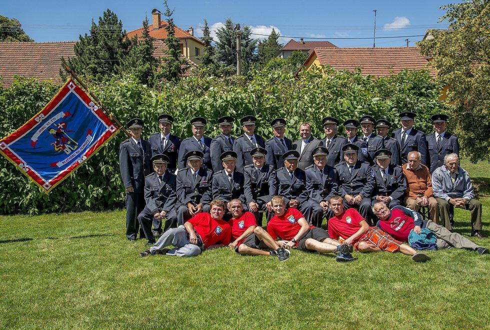 Členové SDH Křtěnov při oslavách 120. výročí založení sboru.