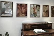 Návštěvníci letovické Galerie Domino si mohou prohlédnout obrazy  a plastiky umělce Sergeje Kuliny.