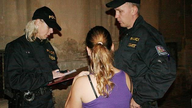 Policejní zátah na mladistvé pod vlivem alkoholu na Blanensku.