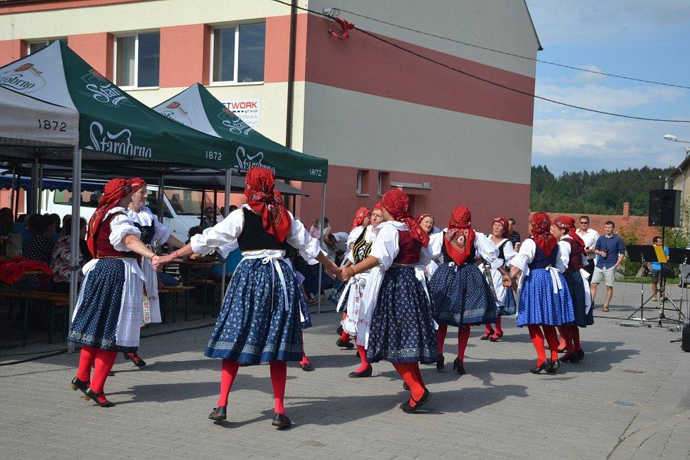 Ostrov u Macochy slavil tradiční hody.