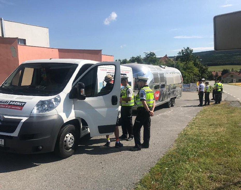 Policisté zkontrolovali na Blanensku při dopravní akci téměř sedm set vozidel.