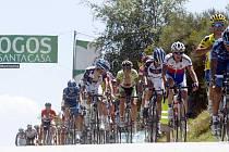 V páté etapě závodu Okolo Portugalska dojel těchovský cyklista Martin Mareš (třetí zprava) na třiadvacáté příčce. V celkovém hodnocení mu patří se ztrátou šesti minut osmadvacáté místo.