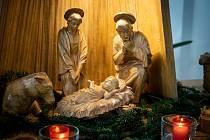 Dřevěný vyřezávaný betlém mohli obdivovat lidé v jedovnickém kostele.