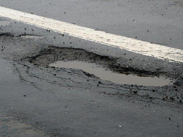 Díry v silnicích na Blanensku.