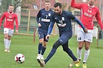 Druhého vítězství na hřiští soupeře dosáhl nováček Moravskoslezské fotbalové ligy FK Blansko (modré dresy) v Uherském Brodě, kde vyhrál 1:0.