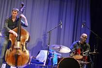 V zámeckém skleníku v Boskovicích koncertovaly ve středu večer hvězdy světového jazzu Parker&Parker.