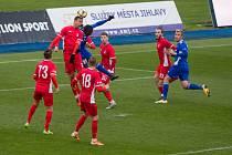 Blanenští fotbalisté si jednu ze dvou výher připsali v Jihlavě.