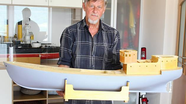 Pavel Urban z Blanska se lodnímu modelářství věnuje od mládí. Rád by ještě vyrobil velký model válečné lodi.