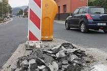 Svitavská ulice v Blansku dostala o víkendu nový asfaltový povrch.