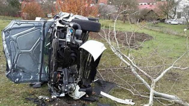 U Crhova sjela žena ze srázu. K nehodě přiletěl i vrtulník, který přepravil patnáctiletou dívku do nemocnice.