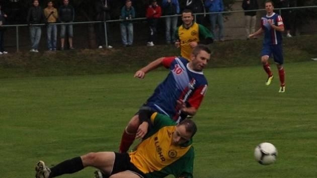 Fotbalisté Ráječka porazili v derby Blansko 2:0.