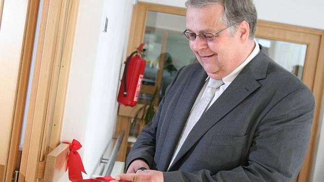 Speciální místnost, kde si obyvatelé Senior centra vychutnají třeba hudbu, vůni z olejolampy, barevná světla a procvičí si hmat, funguje již druhý měsíc v Blansku.