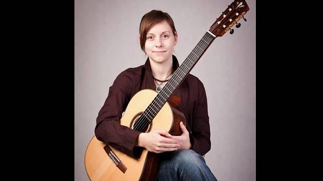 Eva Libichová nyní studuje třetím rokem pardubickou konzervatoř a také Masarykovu univerzitu v Brně.
