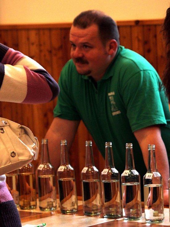 V sobotu se v lipovecké sokolovně uskutečnil devátý ročník koštu slivovic.