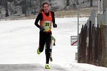 Na sto běžců se pustilo ve čtvrtek do boje s ledovou tratí posledního závodu Okresní běžecké ligy. Hraběnčino běhání tentotkrát vyhrál pravidelný účastník Dan Orálek z Brna.