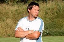 Vloni v srpnu vedl Petr Vašíček Moravskou Slavii v přípravě proti Blansku (viz foto). Jeho tým prohrál 0:1.
