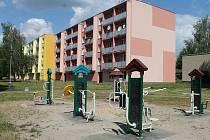 CVIČENÍ POD ŠIRÝM NEBEM. Nový fitness park v Boskovicích.
