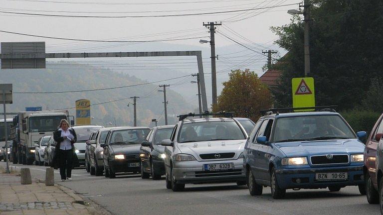 Stále se čeká na začátek výstavby rychlostní silnice, která by ulevila vytíženému tahu mezi Brnem a Svitavami.