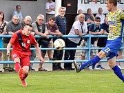 V utkání D skupiny Moravskoslezské divize prohráli fotbalisté FK Blansko (červené dresy)  doma s MSK Břeclav 1:2.