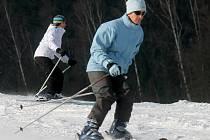 Na Blanensku jsou v provozu dvě sjezdovky. Na umělém sněhu se lyžuje v Olešnici a v Hodoníně u Kunštátu. Hořice čekají na přírodní sníh.