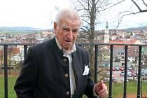 Vše zlé jsem přežil ve zdraví. A měl krásný život, říká hrabě Hugo Mensdorff-Pouilly. Nedávno oslavil devadesátku.