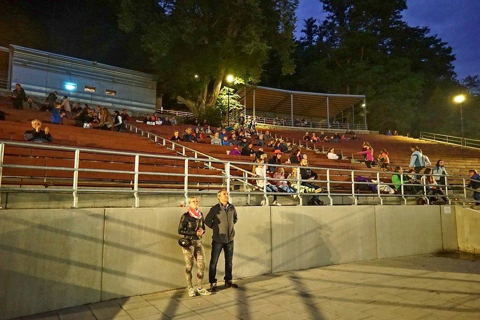 Letní kino v Boskovicích má po letech důstojné zázemí. Šatny s toaletami i novou pokladnu.