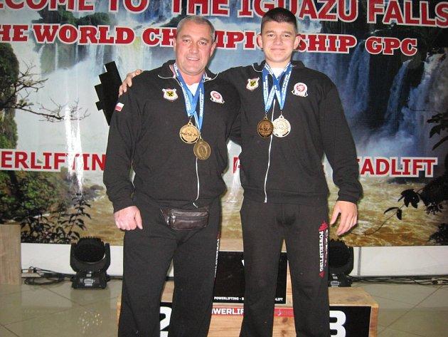 Vlastimil Šafařík se svým otcem na mistrovství světa v Argentině.