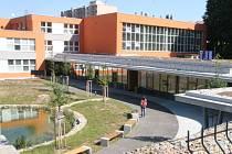Boskovičtí ve čtvrtek slavnostně otevřeli Centrum polytechnické výchovy a vzdělávání. Stojí vedle základní školy v ulici Slovákova.