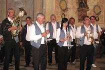 Benešovská 12° založila v obci několik tradičních akcí. Adventní a letní koncerty jsou vyhlášené.