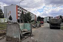 Dělníci se pustili do druhé etapy obnovy blanenského sídliště Zborovce. Bude stát devatenáct milionů korun.