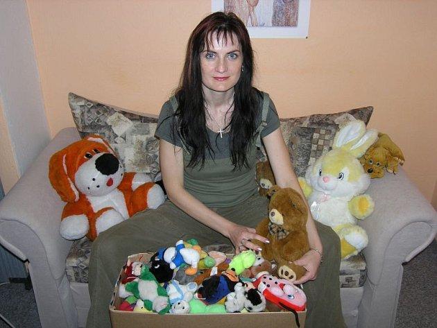 Všem, kteří neváhali a hraky zaslali, patří dík policie.