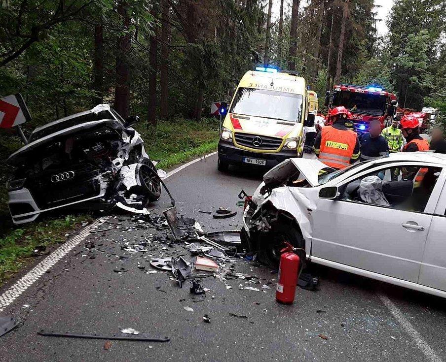 Při nehodě na Blanensku se zranilo šest lidí.