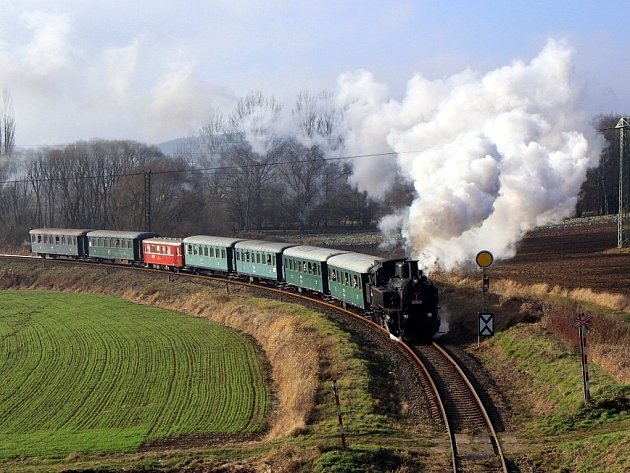 Stejně jako před dvěma lety potáhne mikulášský vlak lokomotiva z roku 1922.