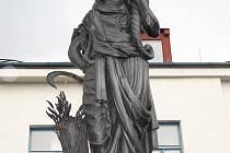 Sochu bohyně Cerery vytvořil další z vynikajících rakouských sochařů Theodor Friedl.