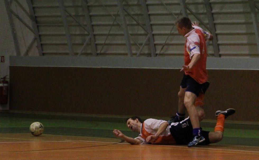 Jedovnický futsalový turnaj Eagle Cuo 2013 vyhrál tým Krakatit.