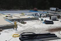V Boskovicích dokončují poslední úpravy rekonstrukce koupaliště v areálu Červené zahrady. Opravy koupaliště za téměř osmdesát miliónů trvaly bezmála dva rok. Otevřeno by mělo být už 19. června.