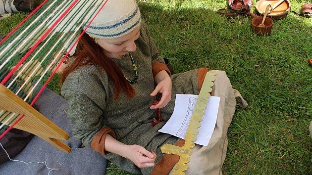 V kůži starých Slovanů. U Staré huti se sešli milovníci historie