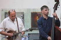 Na pódiu vystoupila brněnská bluegrassová formace Sakrapes.