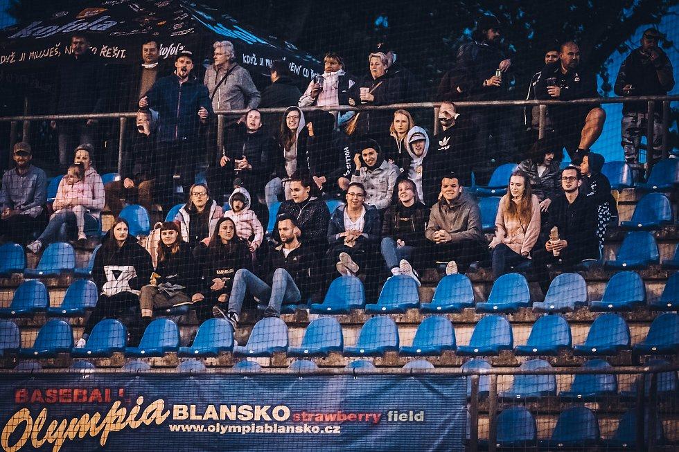 DOMÁCÍ TRIUMF. K blanenskému vítězství 3:2 v domácí bitvě s pražským Tempem přispěly výkony obou nadhazovačů Jakuba Kostky se Štěpánem Havlíčkem. V odvetě ovšem uspěli Pražané, kteří doma zvítězili 8:2.