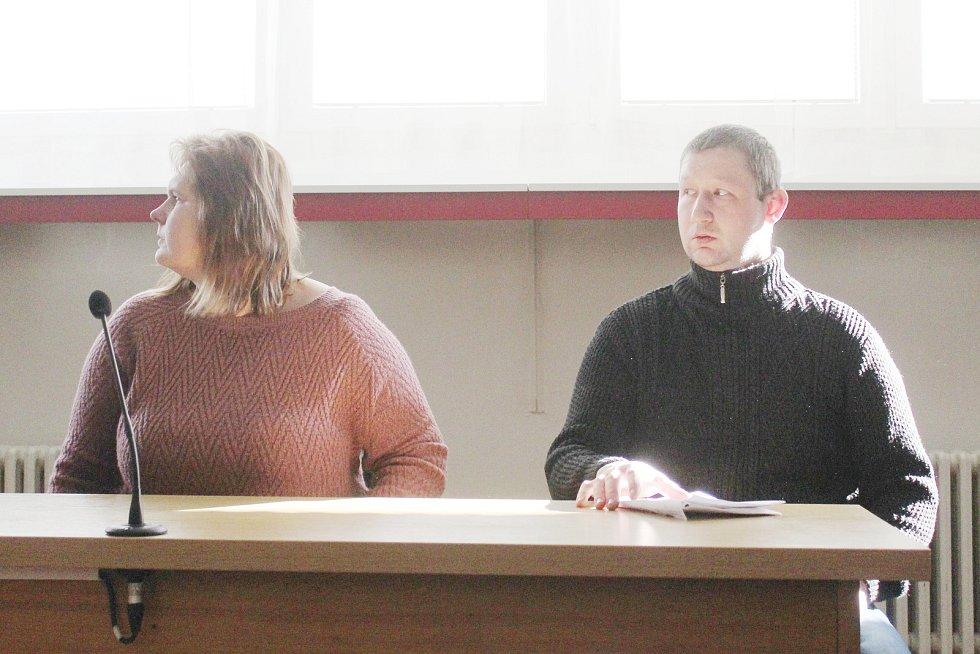 Markéta Liznová čelila obžalobě trestného činu neposkytnutí pomoci. Soud ji osvobodil. Pavel Vymazal pak za stejný trestný čin dostal půlroční podmínku. A zákaz řízení na rok a půl.