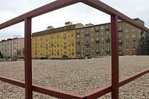 Zchátralý hotel Dukla v centru Blanska zbourali a vyroste tam odpočinková zóna. Divadlo Kolárka chce v suterénu stálou scénu.