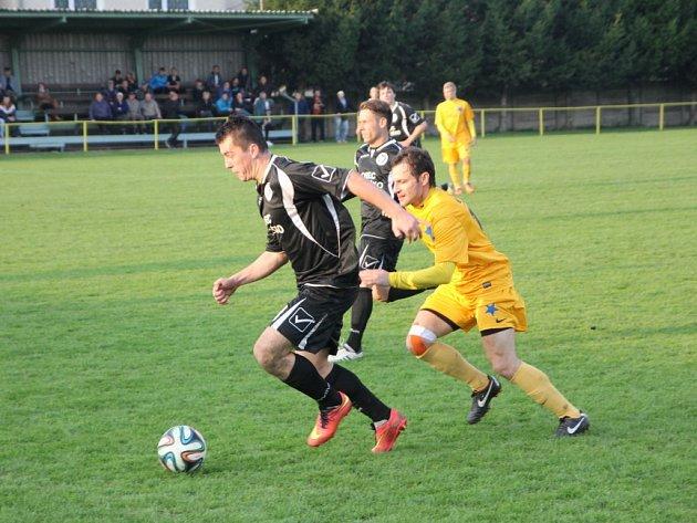 Fotbalisté Ráječka prohráli doma s Moravskou Slavií 1:4. Brňany nepřibrzdilo ani vyloučení Veselého za stavu 1:0. Nasázeli po něm Olympii další tři branky.